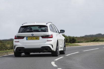 2020 BMW 330i ( G21 ) xDrive touring - UK version 15