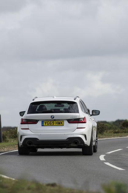 2020 BMW 330i ( G21 ) xDrive touring - UK version 16