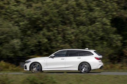 2020 BMW 330i ( G21 ) xDrive touring - UK version 18