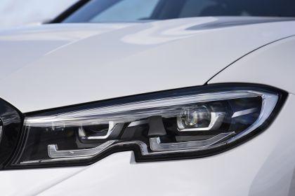 2020 BMW 330i ( G21 ) xDrive touring - UK version 20