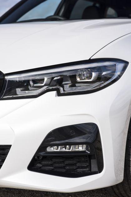 2020 BMW 330i ( G21 ) xDrive touring - UK version 21