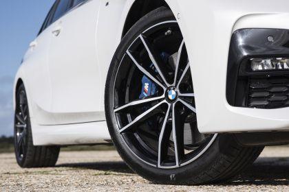 2020 BMW 330i ( G21 ) xDrive touring - UK version 23
