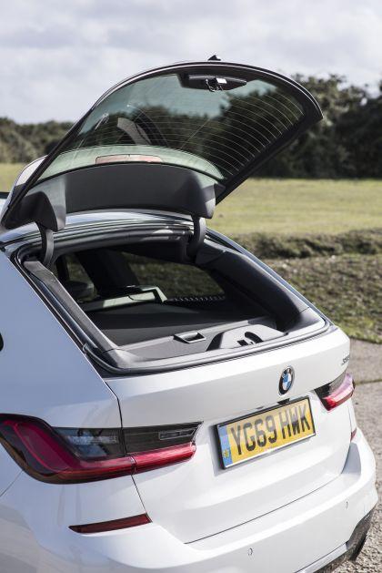 2020 BMW 330i ( G21 ) xDrive touring - UK version 25