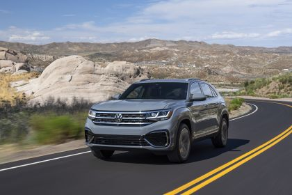 2020 Volkswagen Atlas Cross Sport 1