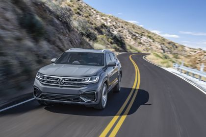2020 Volkswagen Atlas Cross Sport 3