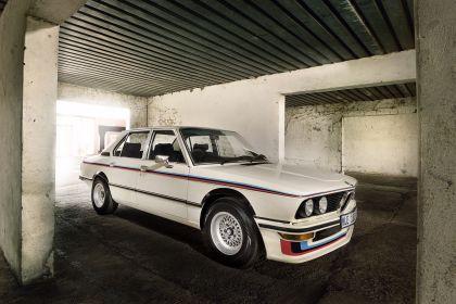 1976 BMW 530 ( E12 ) MLE ( restored in 2019 ) 14