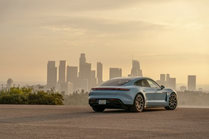 2020 Porsche Taycan 4S 42