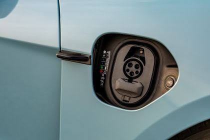 2020 Porsche Taycan 4S 76