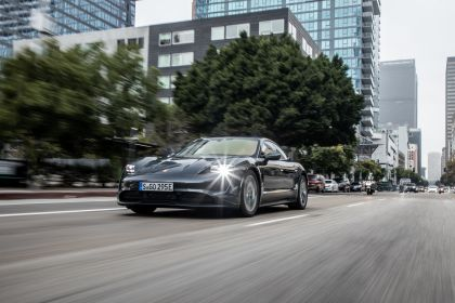 2020 Porsche Taycan 4S 149