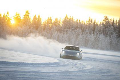 2020 Porsche Taycan 4S 325