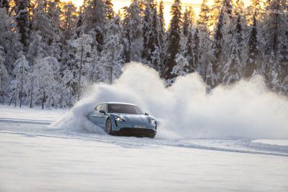 2020 Porsche Taycan 4S 327