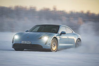 2020 Porsche Taycan 4S 342