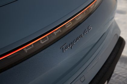 2020 Porsche Taycan 4S 381
