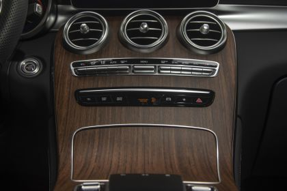 2020 Mercedes-Benz GLC 300 4Matic - USA version 62