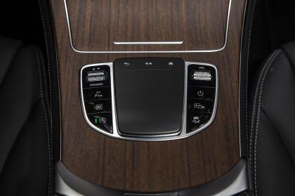 2020 Mercedes-Benz GLC 300 4Matic - USA version 63
