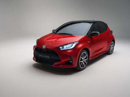2020 Toyota Yaris hybrid 2