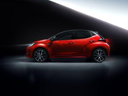 2020 Toyota Yaris hybrid 6