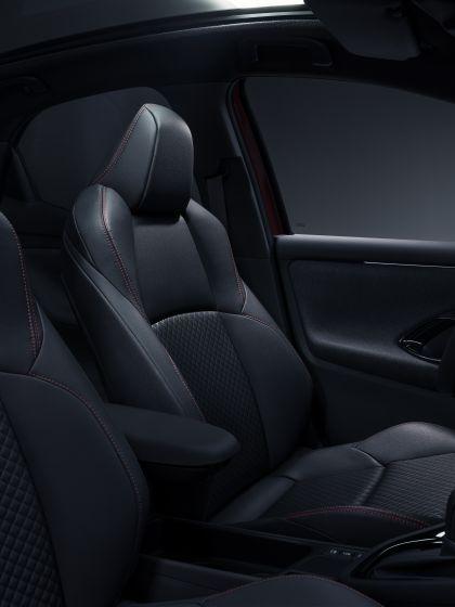 2020 Toyota Yaris hybrid 10