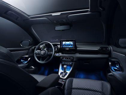 2020 Toyota Yaris hybrid 11