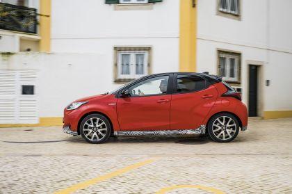 2020 Toyota Yaris hybrid 64