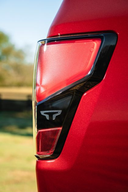 2020 Nissan Titan XD Platinum Reserve 6