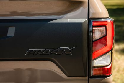 2020 Nissan Titan XD PRO-4X 17