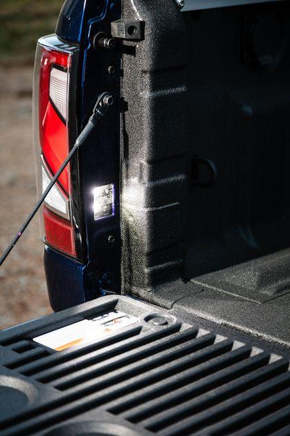 2020 Nissan Titan XD SL 14
