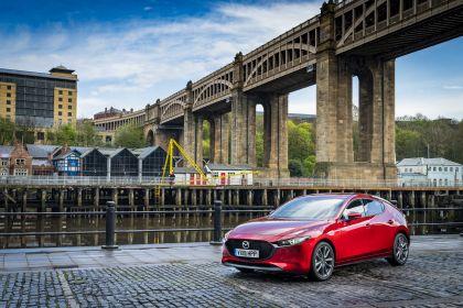 2020 Mazda 3 Skyactiv-G Sport Lux - UK version 11