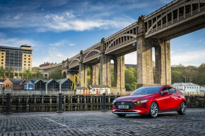 2020 Mazda 3 Skyactiv-G Sport Lux - UK version 13