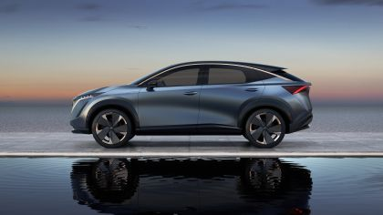 2019 Nissan Ariya concept 13