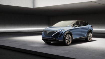 2019 Nissan Ariya concept 16