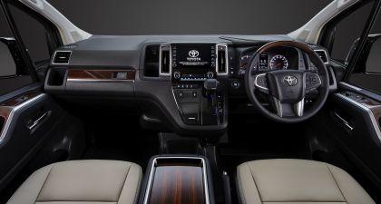 2020 Toyota GranAce 10