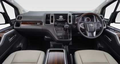2020 Toyota GranAce 11