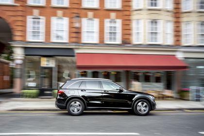 2019 Mercedes-Benz GLC 220d 4Matic - UK version 4