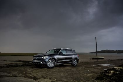 2019 Mercedes-Benz GLC 220d 4Matic - UK version 7