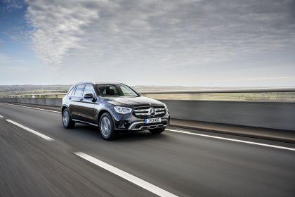 2019 Mercedes-Benz GLC 220d 4Matic - UK version 20