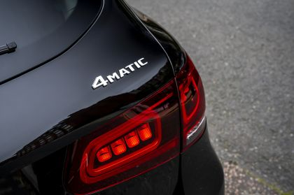 2019 Mercedes-Benz GLC 220d 4Matic - UK version 68