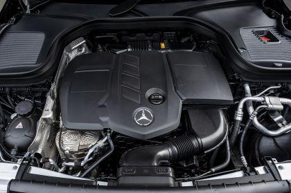 2019 Mercedes-Benz GLC 220d 4Matic - UK version 71