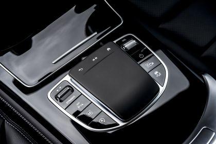 2019 Mercedes-Benz GLC 220d 4Matic - UK version 83