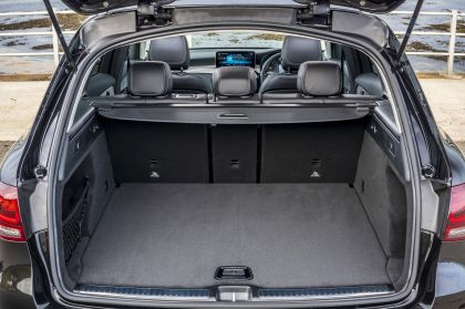 2019 Mercedes-Benz GLC 220d 4Matic - UK version 89