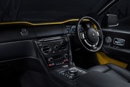 2019 Rolls-Royce Cullinan Black badge 10