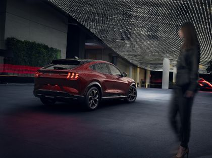 2021 Ford Mustang Mach-E 28