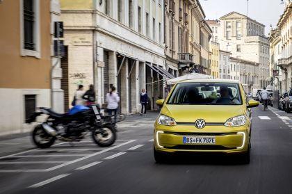 2020 Volkswagen e-Up 28