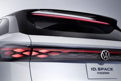 2019 Volkswagen ID. Space Vizzion concept 13