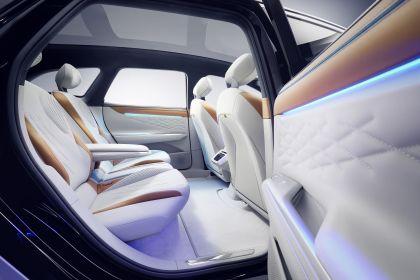 2019 Volkswagen ID. Space Vizzion concept 17