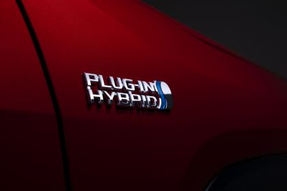 2021 Toyota RAV4 Prime XSE 10