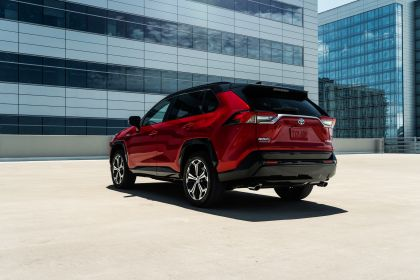 2021 Toyota RAV4 Prime XSE 27