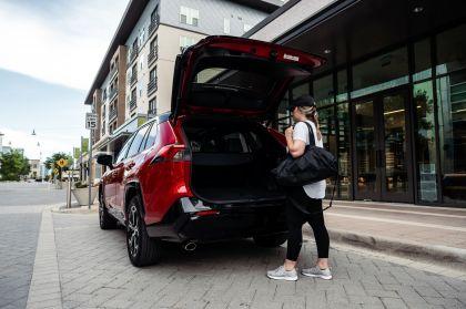 2021 Toyota RAV4 Prime XSE 33