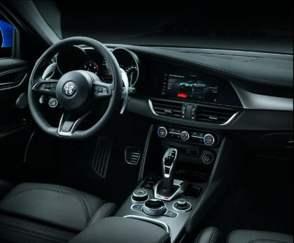 2020 Alfa Romeo Giulia 17