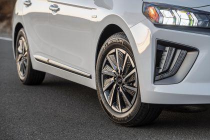 2020 Hyundai Ionic Electric - USA version 16